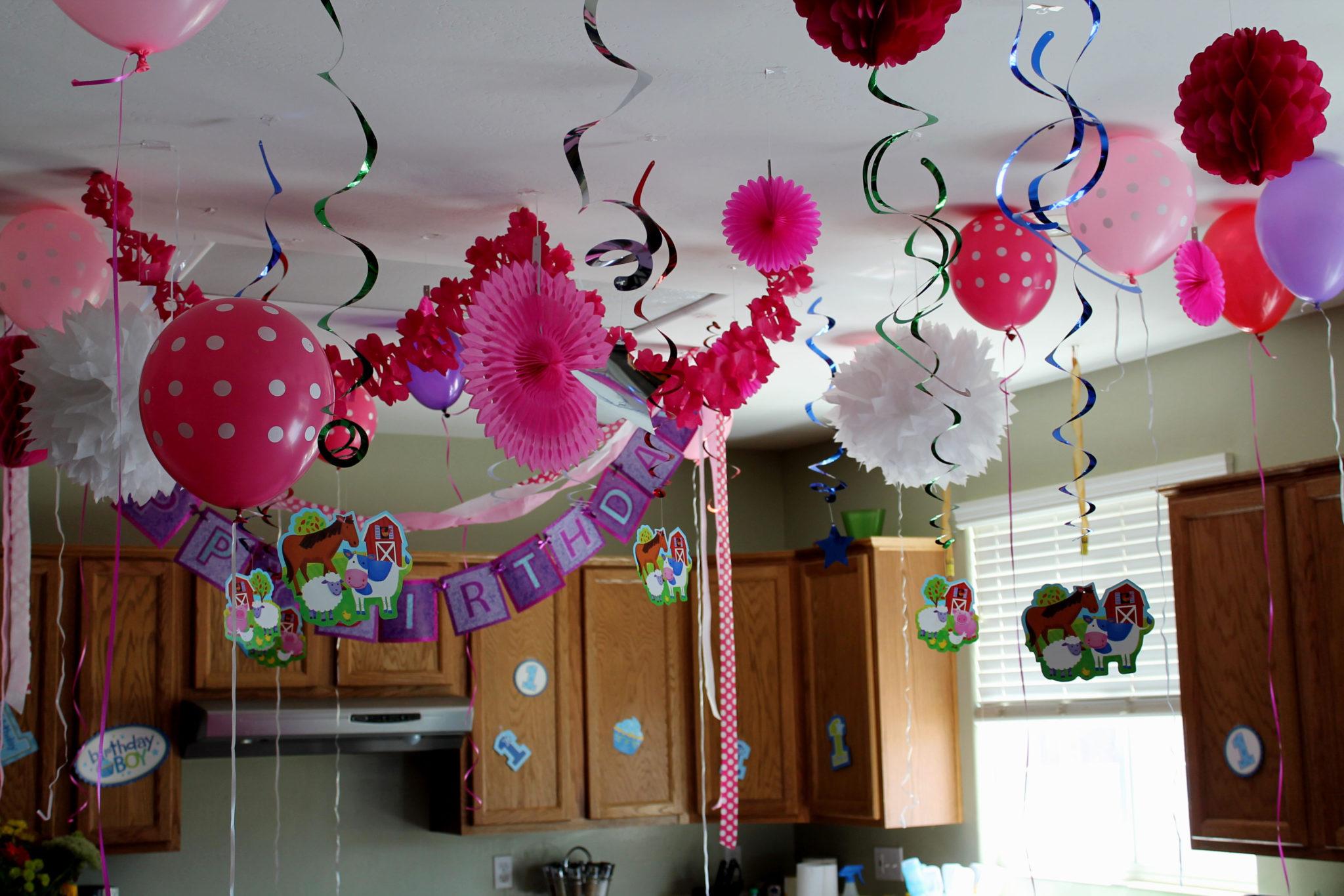 шары и гирлянды к празднику
