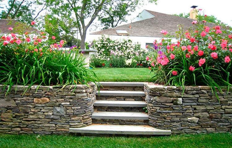 Подпорные стенки в саду